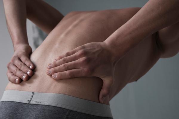 az alsó hasi fájdalom erekciója