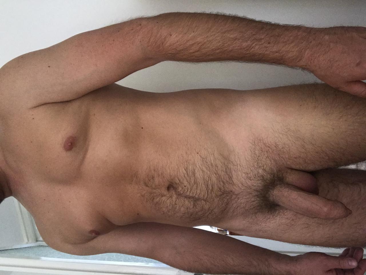 30 cm-es pénisz egy srácnak