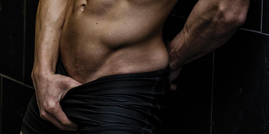 férfi borostás pénisz