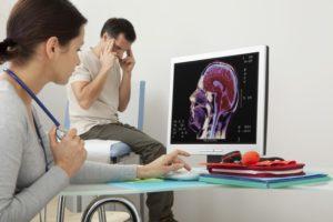 Hátsó fájdalom a derékrészben, okok és kezelési módok