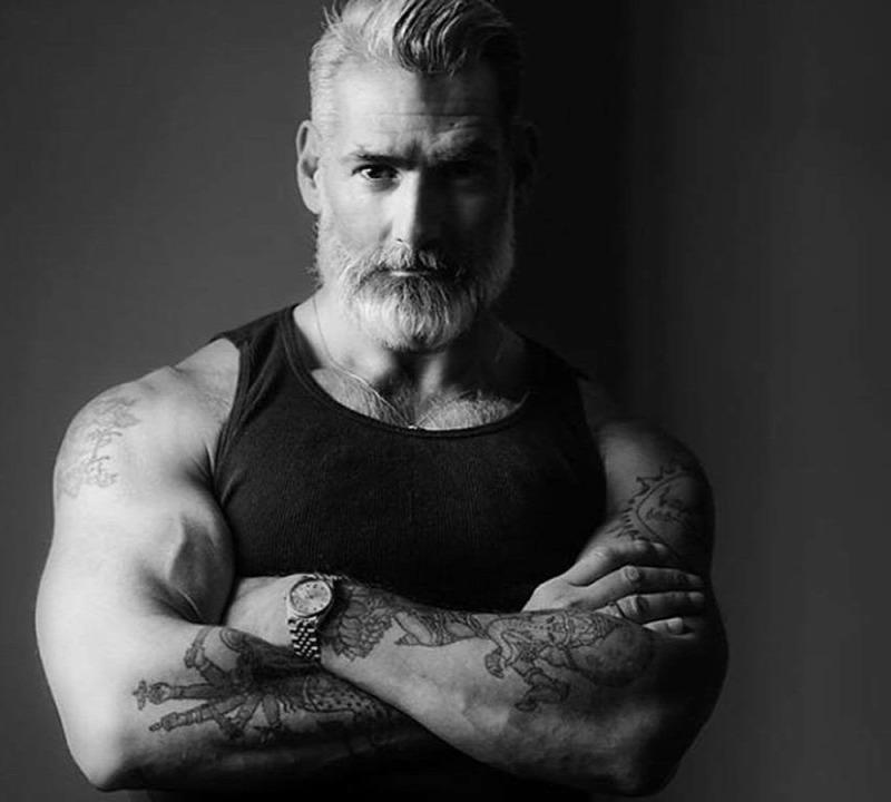 60 évesnél idősebb férfiak péniszei