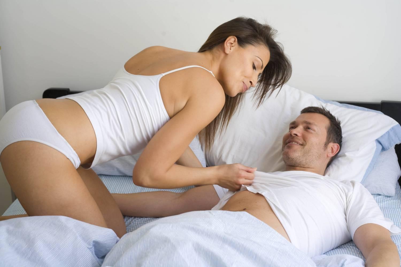 a pénisz tövénél vékony)