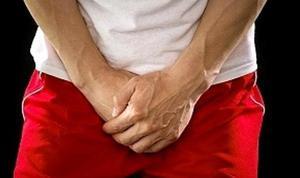 a fityma nem nyílik ki teljesen az erekció során)