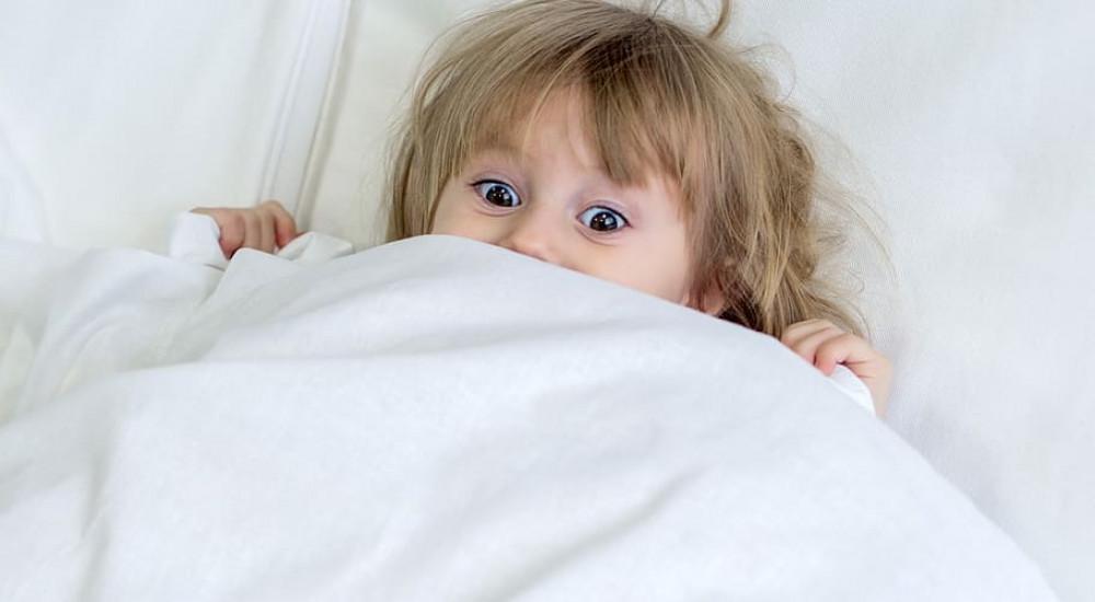 kétéves gyermeknek merevedése van)