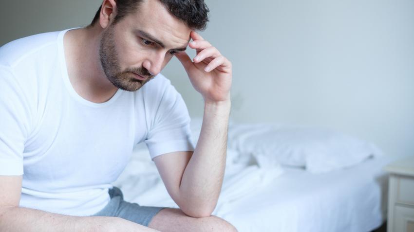 rossz merevedés alváshiány